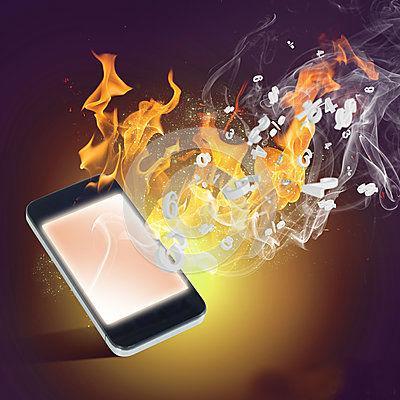 Mira lo que debes borrar cada mes para que no colapse la memoria de tu celular