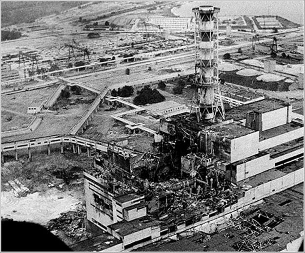 Suben en Chernóbil las reacciones nucleares en una cámara impenetrable de la central